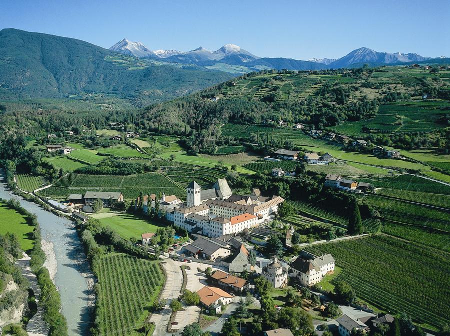29_Kloster-Neustift_Luftaufnahme.jpg