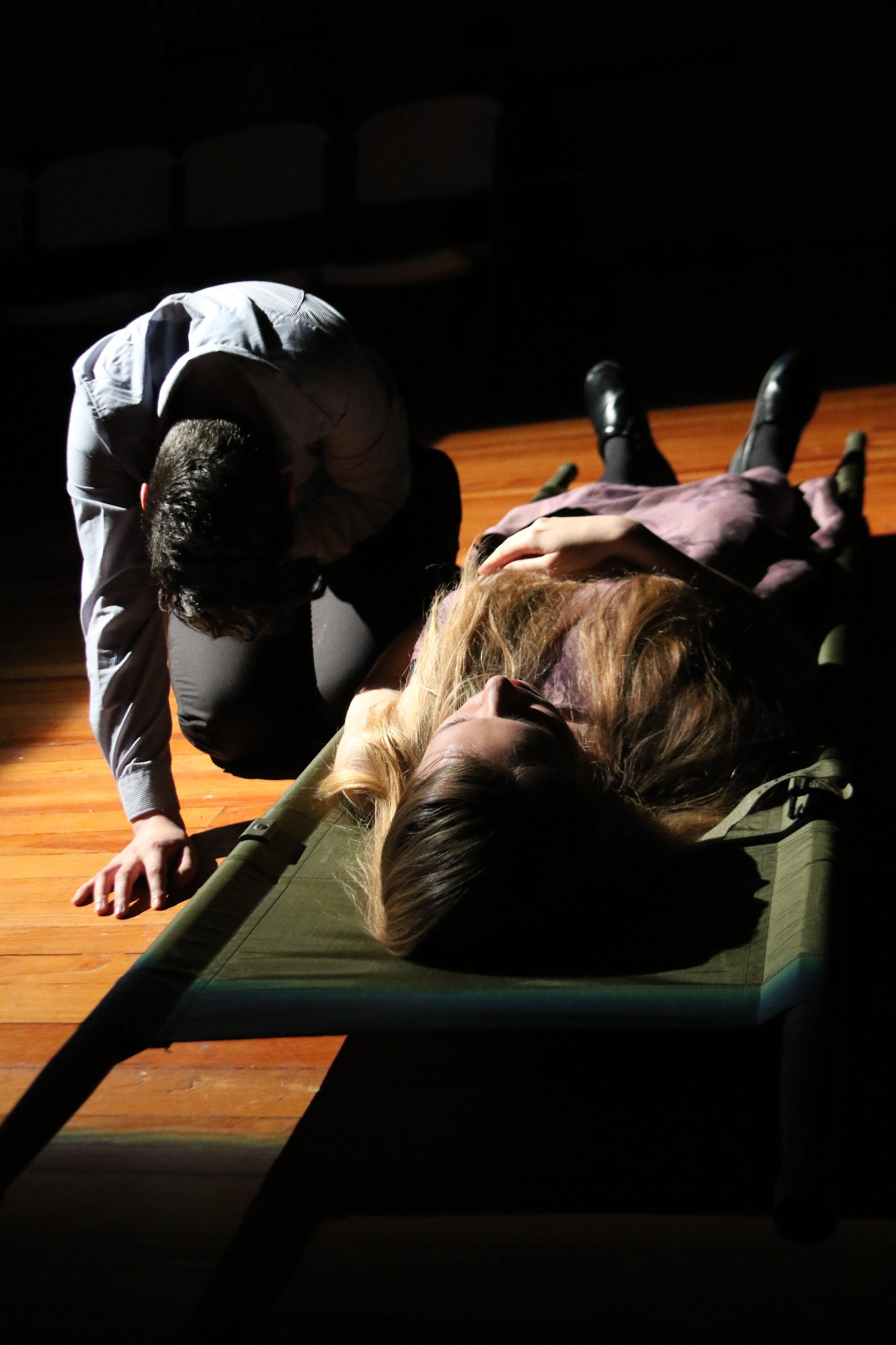 Melanie Glickman as Laertes, Sarah Lamar as Ophelia