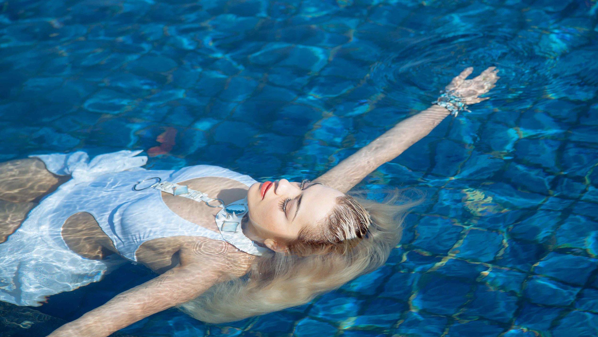 Rita Ora enjoying the pool at Sri Panwa, Phuket