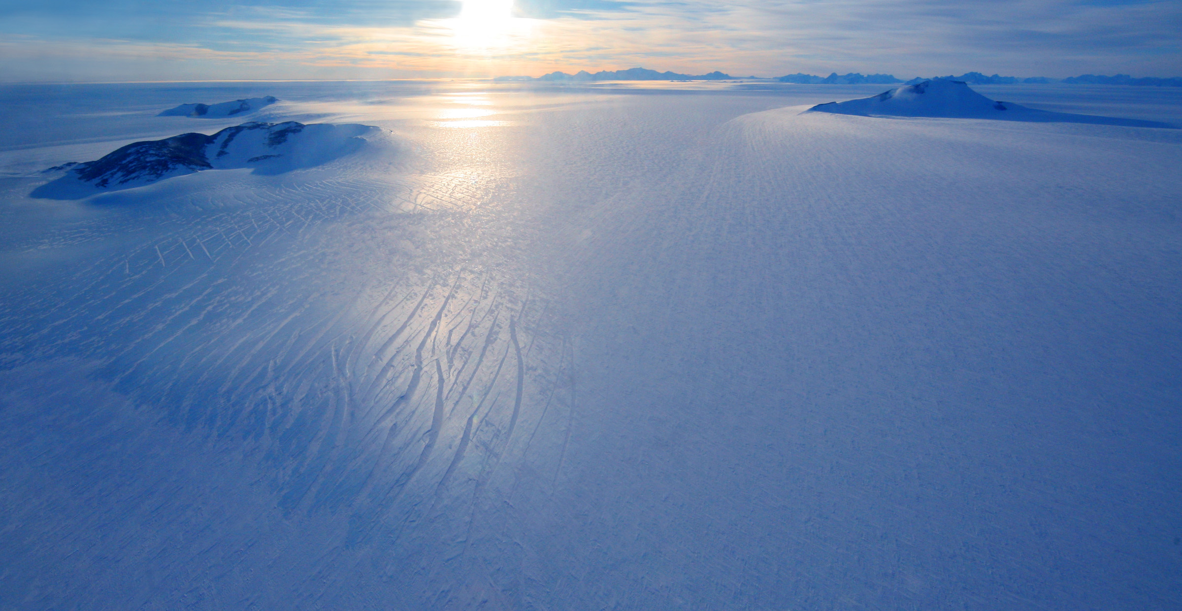 Views over Antarctica, from the airplane