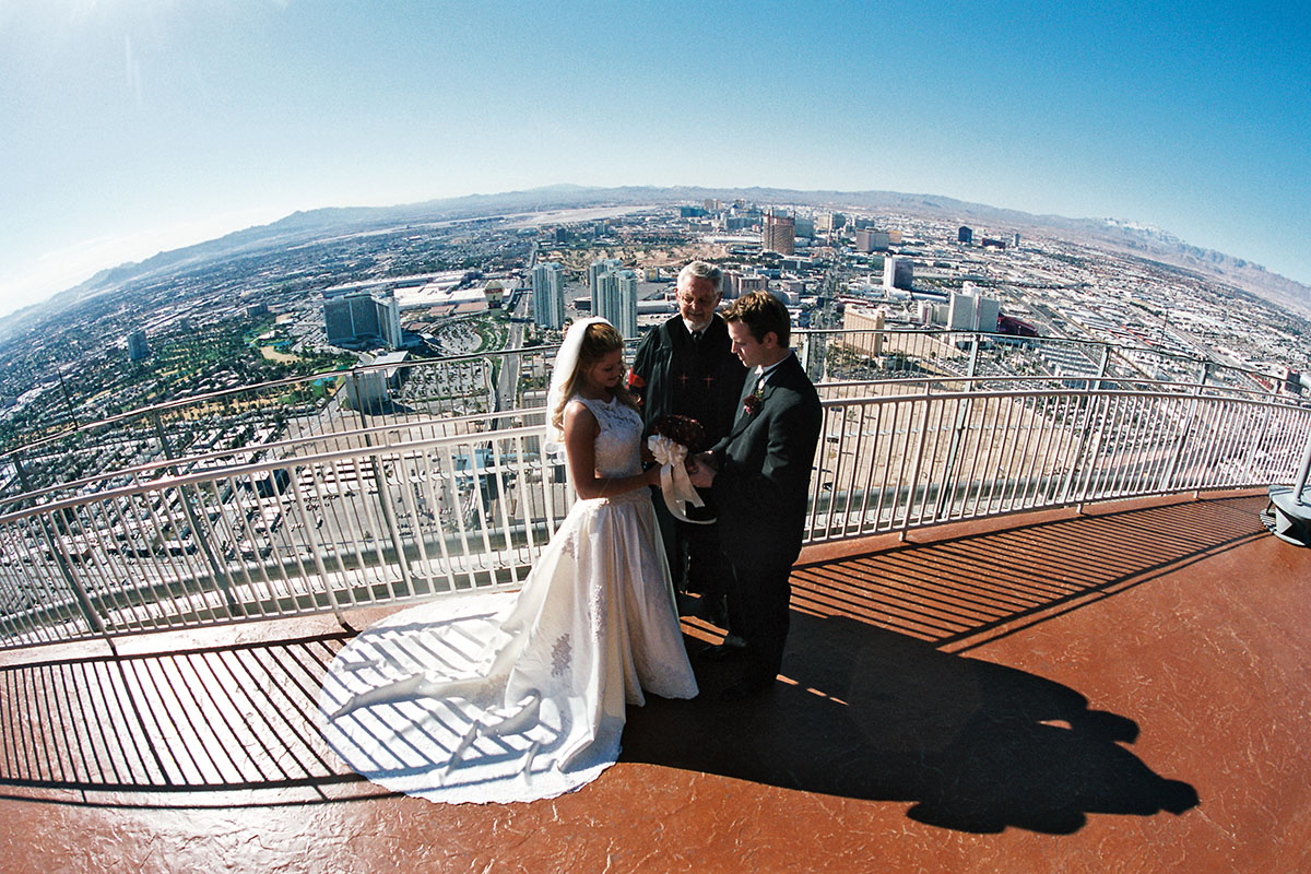 Stratosphere Tower observation deck wedding Las Vegas. Image courtesy of Flickr.