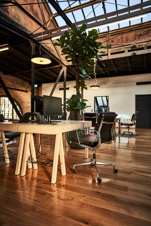ease_office01.jpg