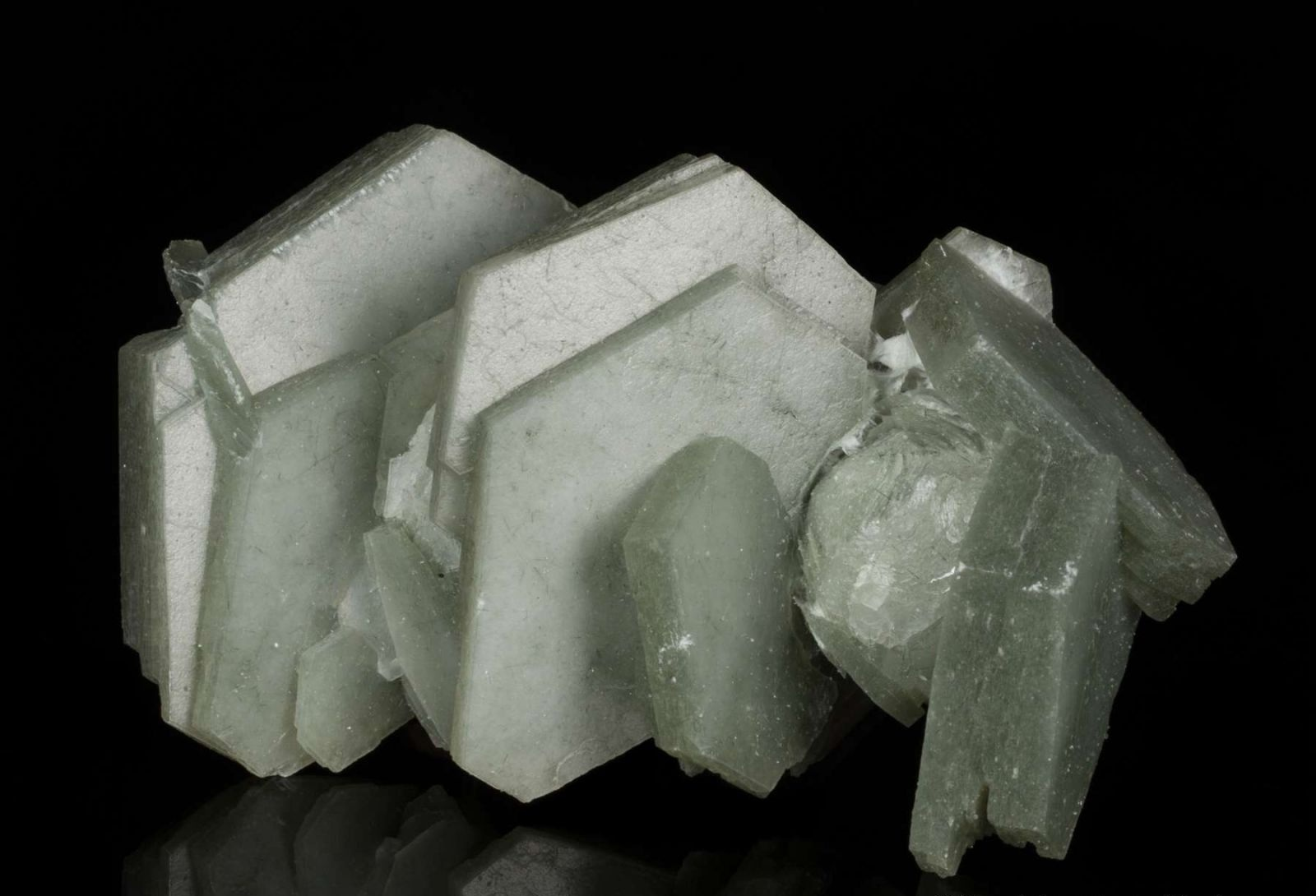 Huanggang Mines, Hexigten Banner, Inner Mongolia A.R. China. This is an inter-grown cluster of  doubly terminated, tabular crystals