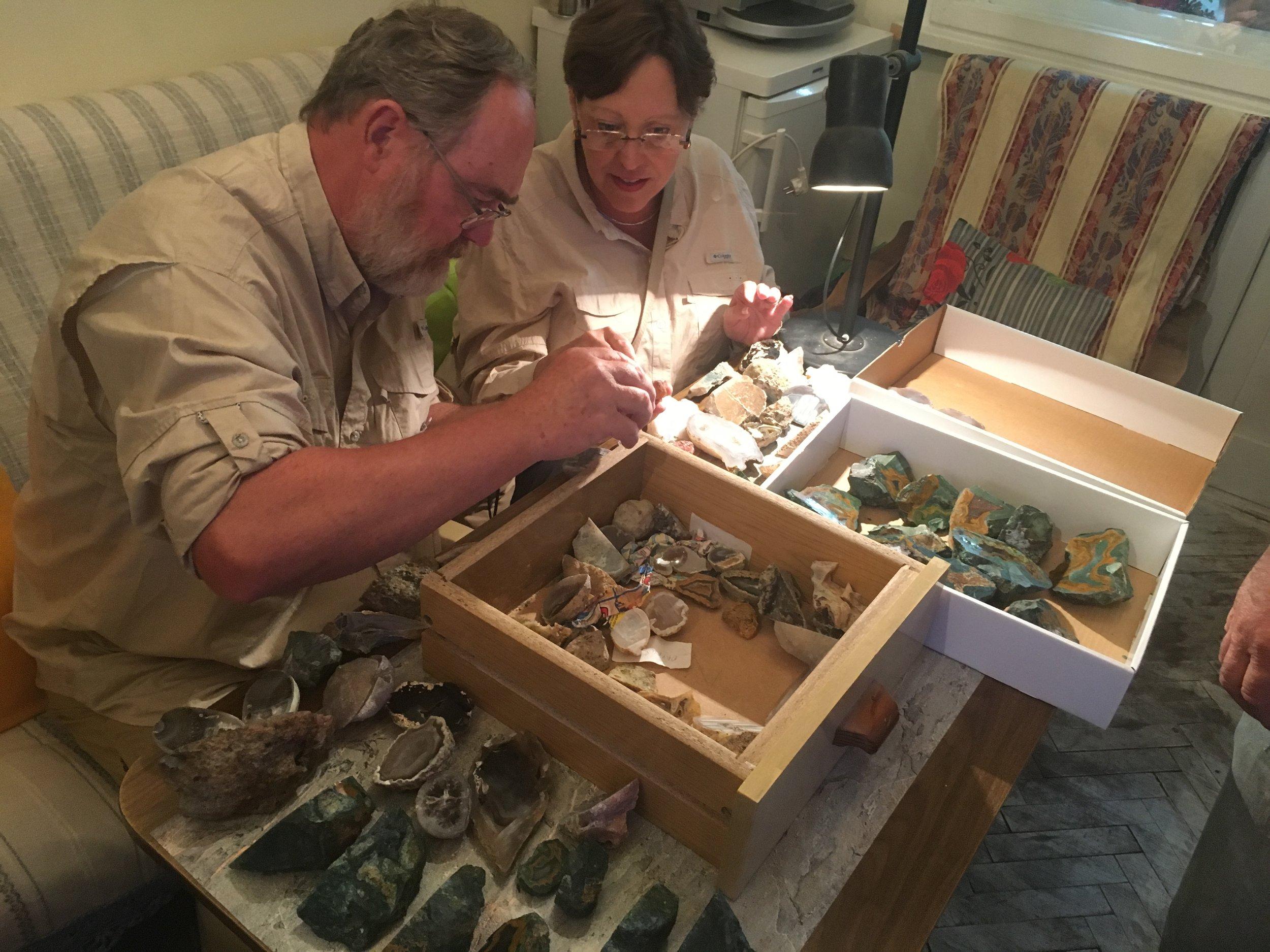 Buying Agates in Polvdiv