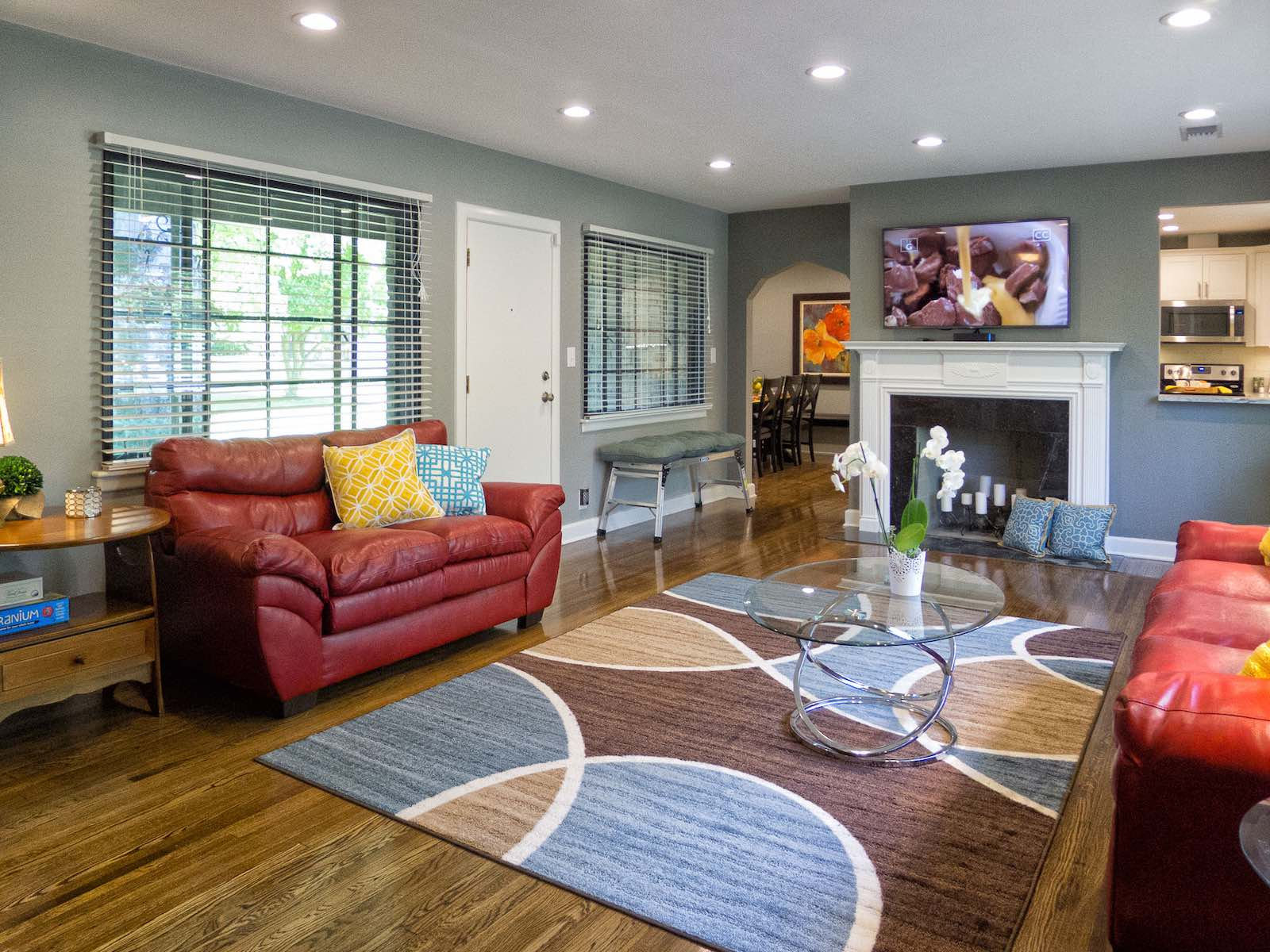 livingroom3Small.jpg