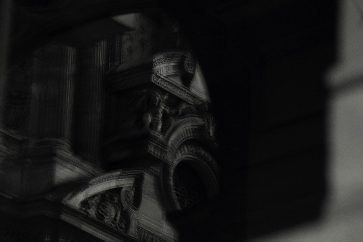Armstrong+Louvre.jpg