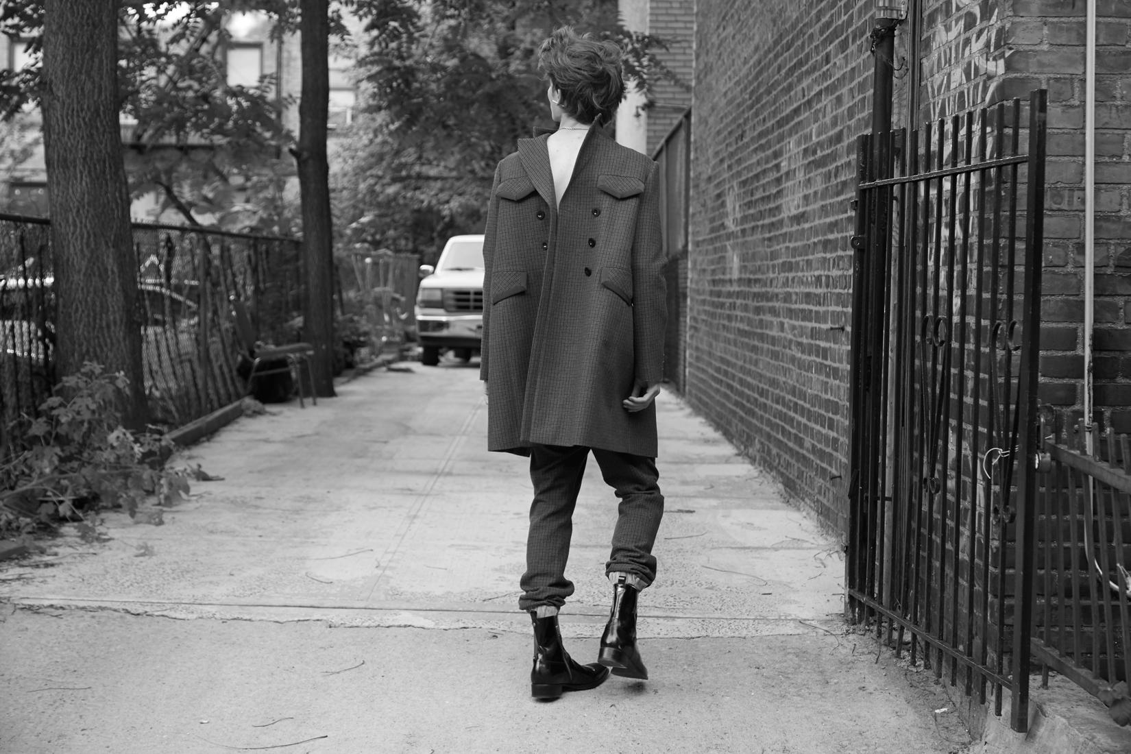 coat & pants : SACAI  boots : ROBERTO CAVALLI