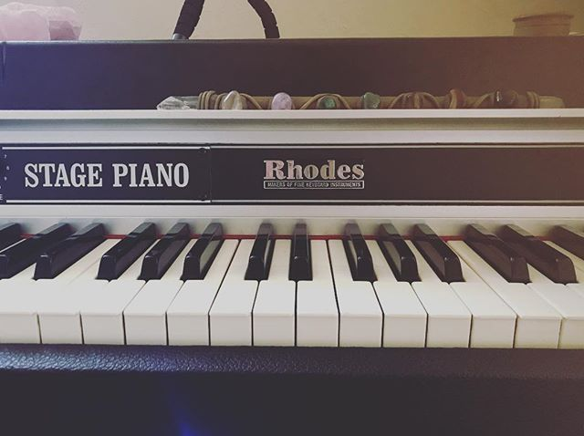 Thank you @thesingingwindownola for letting me play your Rhodes today 🙏🏽