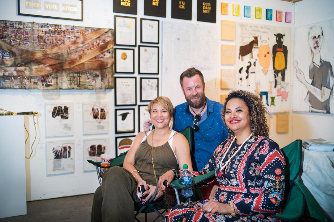 Laurie Vignaud and AVM Hawkins with Artist Tra Slaughter. Artwork: Tra Slaughter: www.traslaughter.com. Photography: Grady Carter : gradycarter@yahoo.com, Instagram at Gradycarterphotography.