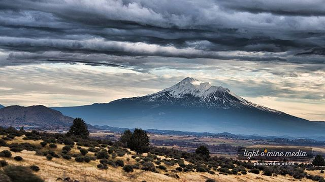 Waiting to erupt, like the glass of a rear passenger window. Much like the window that exploded not long after this was taken. #mtshasta #mountshasta