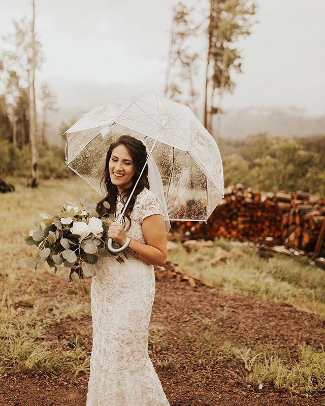 It rained, snowed & the sun was no where to be found but when asked how this beautiful bride was doing with it all, her response was that it was the Lord's way of showing off and witnessing to her guests and that was all the wanted. You are an angel, Amber and you made the most peaceful, breathtaking bride. 💛