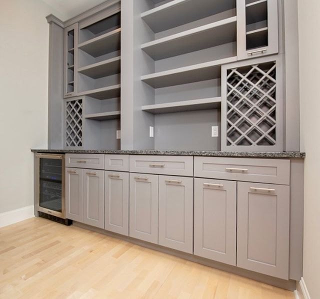 📍Saratoga Springs remodel ⠀⠀⠀⠀⠀⠀⠀⠀⠀⠀⠀⠀⠀⠀⠀⠀⠀⠀ 📸 Wellborn Forest Cabinets ⠀⠀⠀⠀⠀⠀⠀⠀⠀⠀⠀⠀⠀⠀⠀⠀⠀⠀ 💥Elite box construction  Quicksilver color paint on these Boston door in maple! This came out very beautiful especially with the Butler Pantry that services the Movie room of this Million dollar Condominium in Saratoga Springs ⠀⠀⠀⠀⠀⠀⠀⠀⠀⠀⠀⠀⠀⠀⠀⠀⠀⠀ 👉🏻Call us today for your free design consultation! Let's make your dream a reality! 🔥 ⠀⠀⠀⠀⠀⠀⠀⠀⠀⠀⠀⠀⠀⠀⠀⠀⠀⠀ ⠀⠀⠀⠀⠀⠀⠀⠀⠀⠀⠀⠀⠀⠀⠀⠀⠀⠀ #dreamkitchens #adksales #capitalregionny #kitchensofinstagram #kitchencabinets #saratogakitchens #kitchendesign #custom #custombathroom #bostondoors #wellbornforest