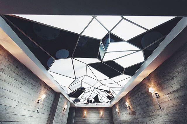 Lately obsessing over Gulla Jonsdottir interiors! Nordic design at its best 🖤 // #interiordesign #nordicdesign #icelandicdesign #interiordesigninspiration #moderninteriors #monochrome #gullajonsdottir #architecture #newyorkinteriors #dailyinspiration #interiordesigner
