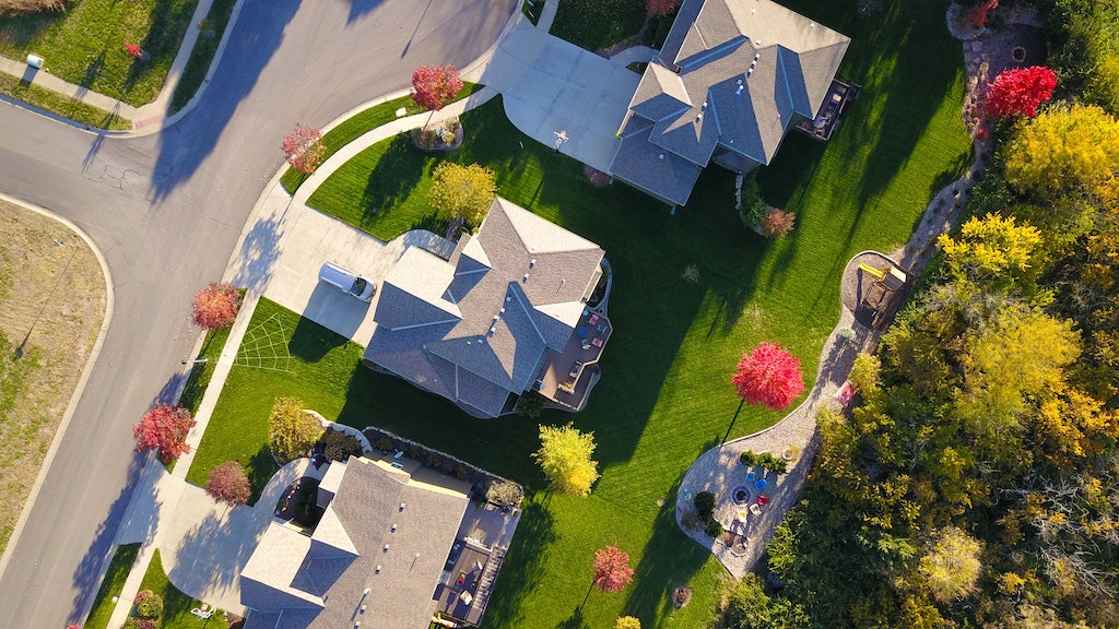 Handy Tips For Buying Your First Home