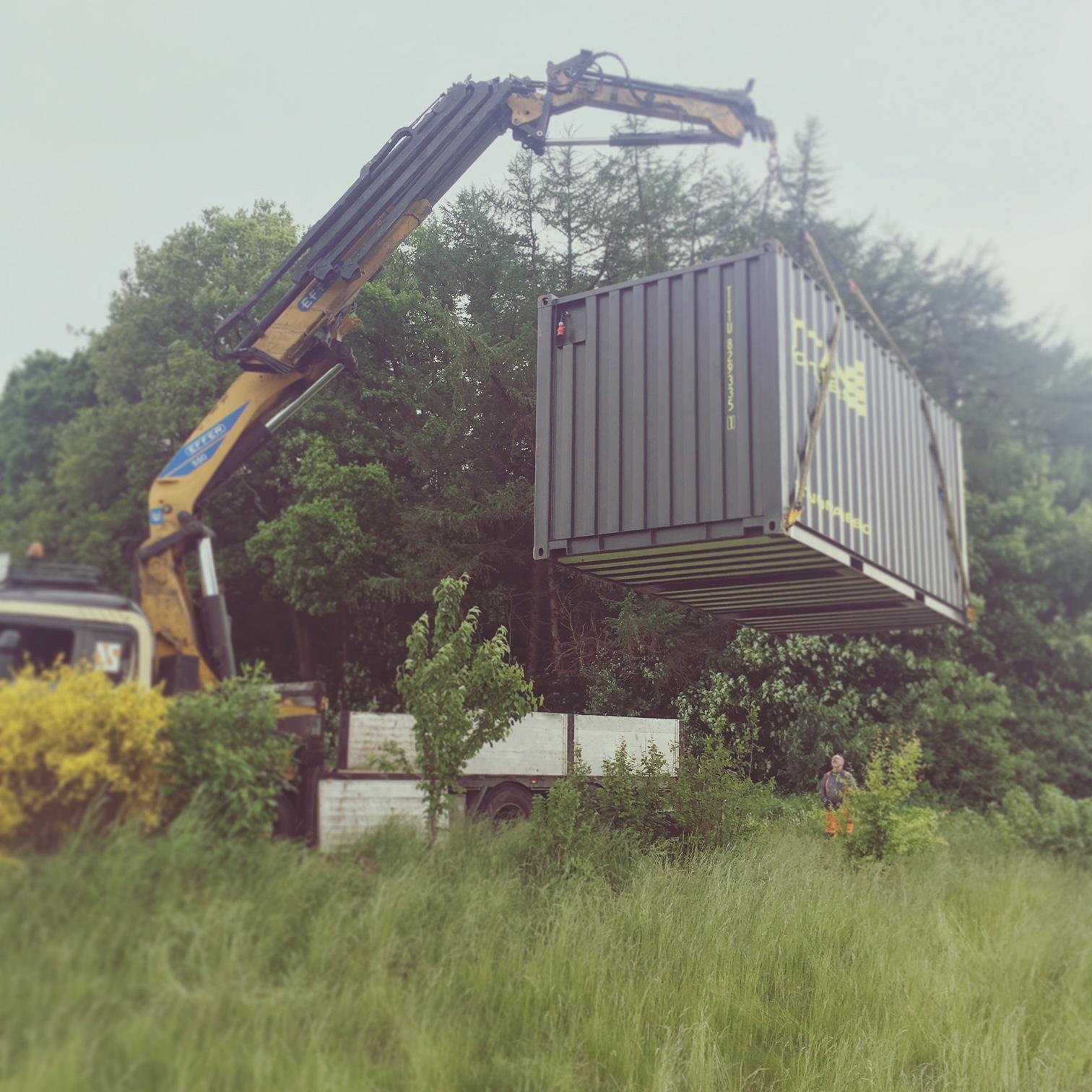 Containeren hvor vi oppbevarer flyttelasset og værktøy