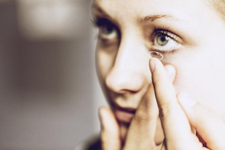 Kontaktlinsen-assistenz(weiche KL) -
