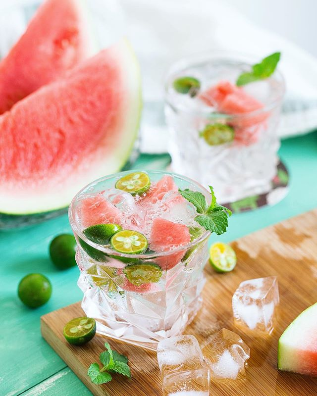 Fresh watermelon in my cocktail? Yes please! 🍉 ⠀ ⠀ ⠀ ⠀ ⠀ ⠀ #drinks #drinkspecials #cocktail #cocktailoclock #cocktails #cocktails🍹 #instacocktail #instadrinks