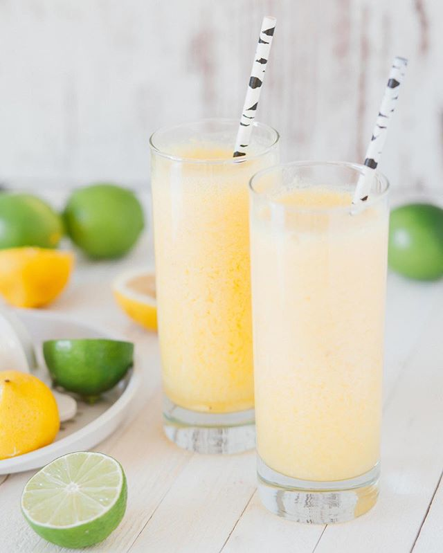 Fresh and citrusy! 🍹🍋 ⠀ ⠀ ⠀ ⠀ ⠀ ⠀ ⠀ ⠀ #cocktail #cocktailhour #happyhour #cocktails #cocktaillovers #cocktails🍹 #cocktails🍸 #citrus #lime #lemon #mixologist #mixology #tequila #rhum #vodka #drinks #drinks🍹