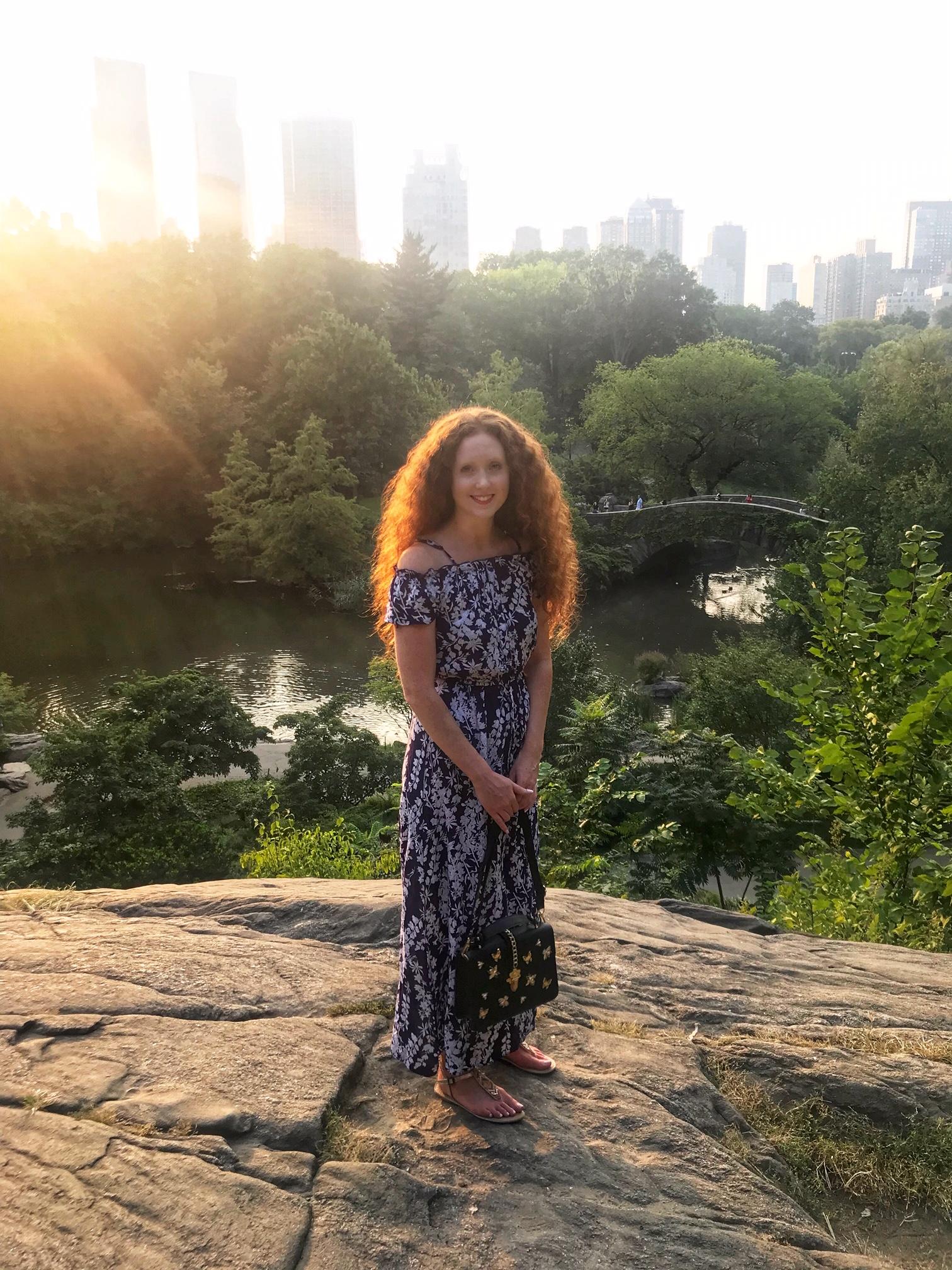 New York Rockerfeller Center Lorna Ryan Blogger Model