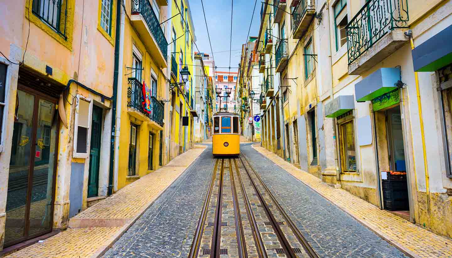 Think-Portugal-Lisbon-Tram-472159990-SeanPavonePhoto-copy.jpg