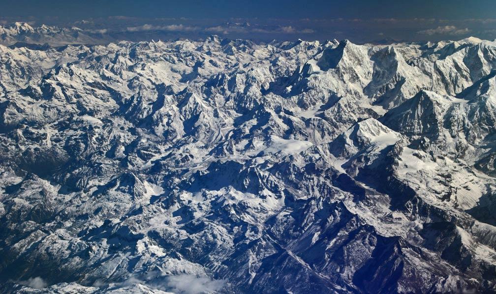1-sea-of-peaks-chengdu-lhasa-flight-tibet-china-copyright-sanjay-saxena.jpg
