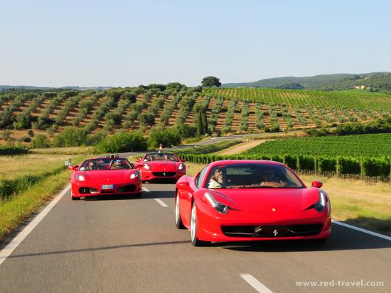 Red_Travel_Car_Portfolio_03.jpg