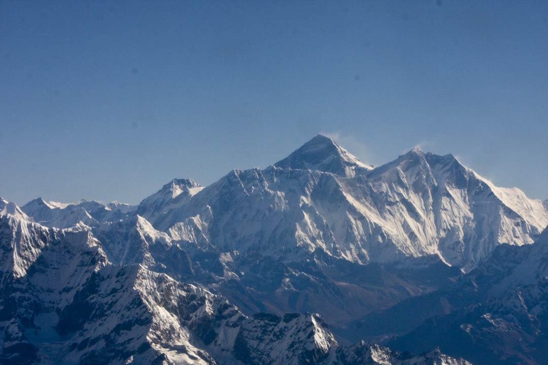 6-NP-Everest-mountain-flight-copyright-sanjay-saxena.jpg