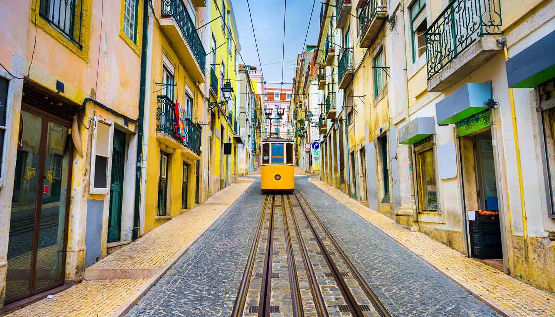 Think-Portugal-Lisbon-Tram-472159990-SeanPavonePhoto-copy.jpg