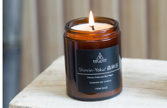 出展: https://www.earlofeastlondon.com/collections/japanese-bathing-line/products/earl-of-east-soy-wax-mid-size-candle-shinrin-yoku-170ml-6oz