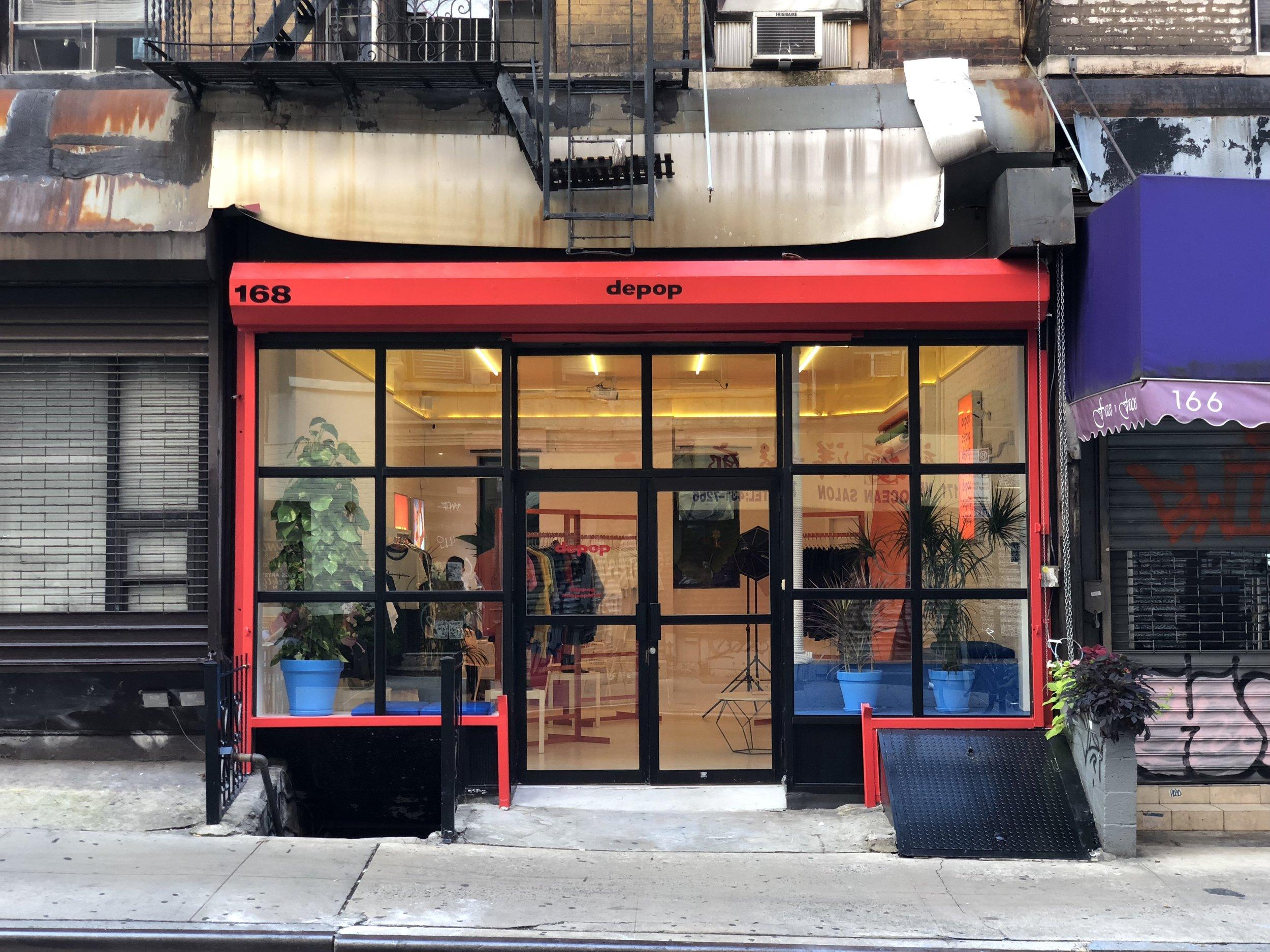 出典: https://wwd.com/business-news/real-estate/depop-crafts-a-space-in-new-york-citys-chinatown-1202778174/