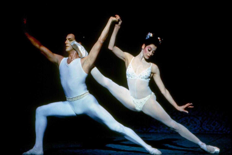 Ashley Wheater dancing with Muriel Maffrein in Bugaku. Photo Credit Marty Sohl