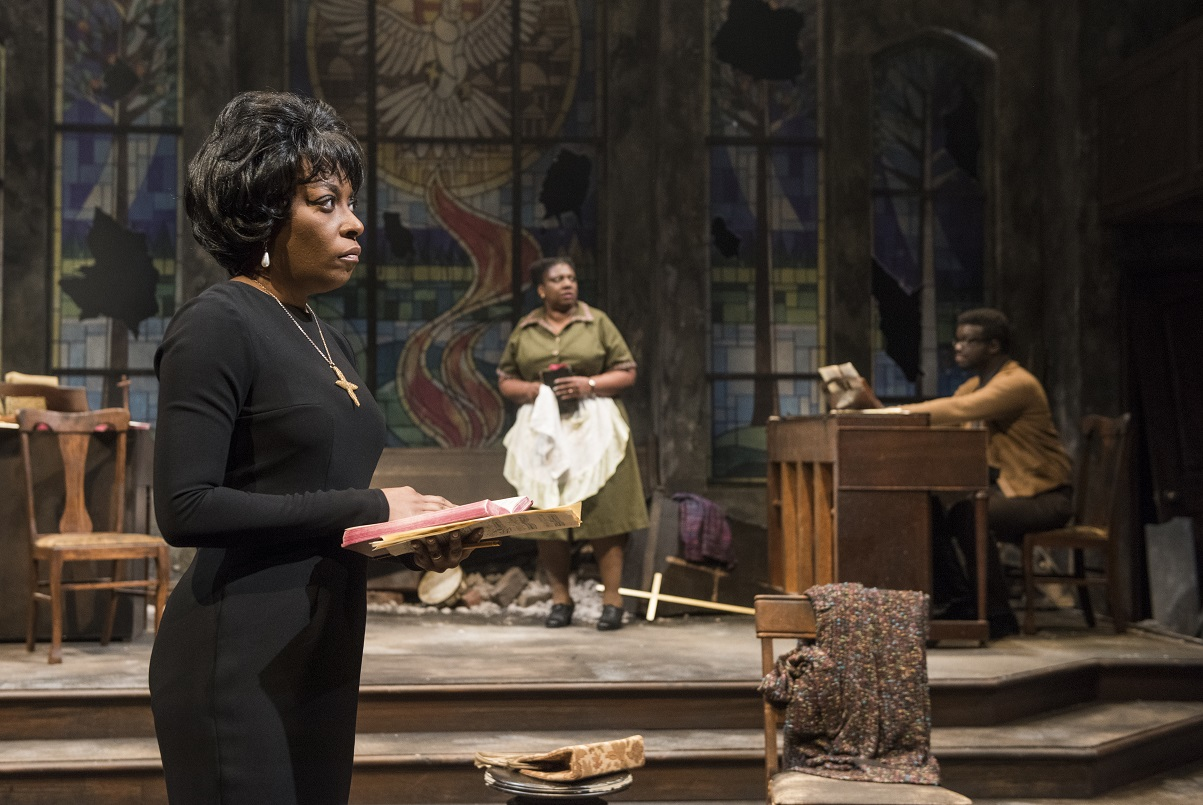 A scene from Northlight Theatre's NINA SIMONE: FOUR WOMEN. Photo credit Michael Brosilow