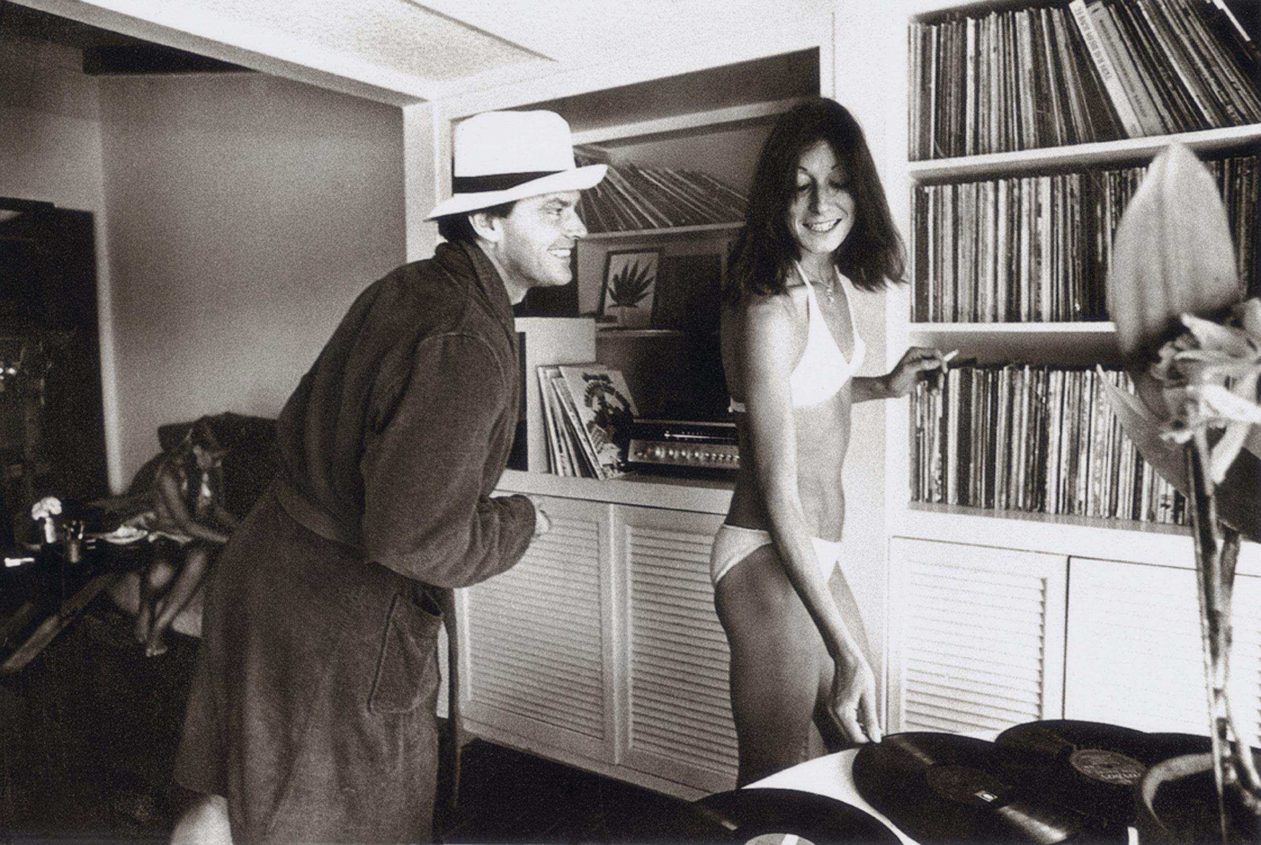Jack Nicholson & Anjelica Huston. Photo credit Julian Wasser