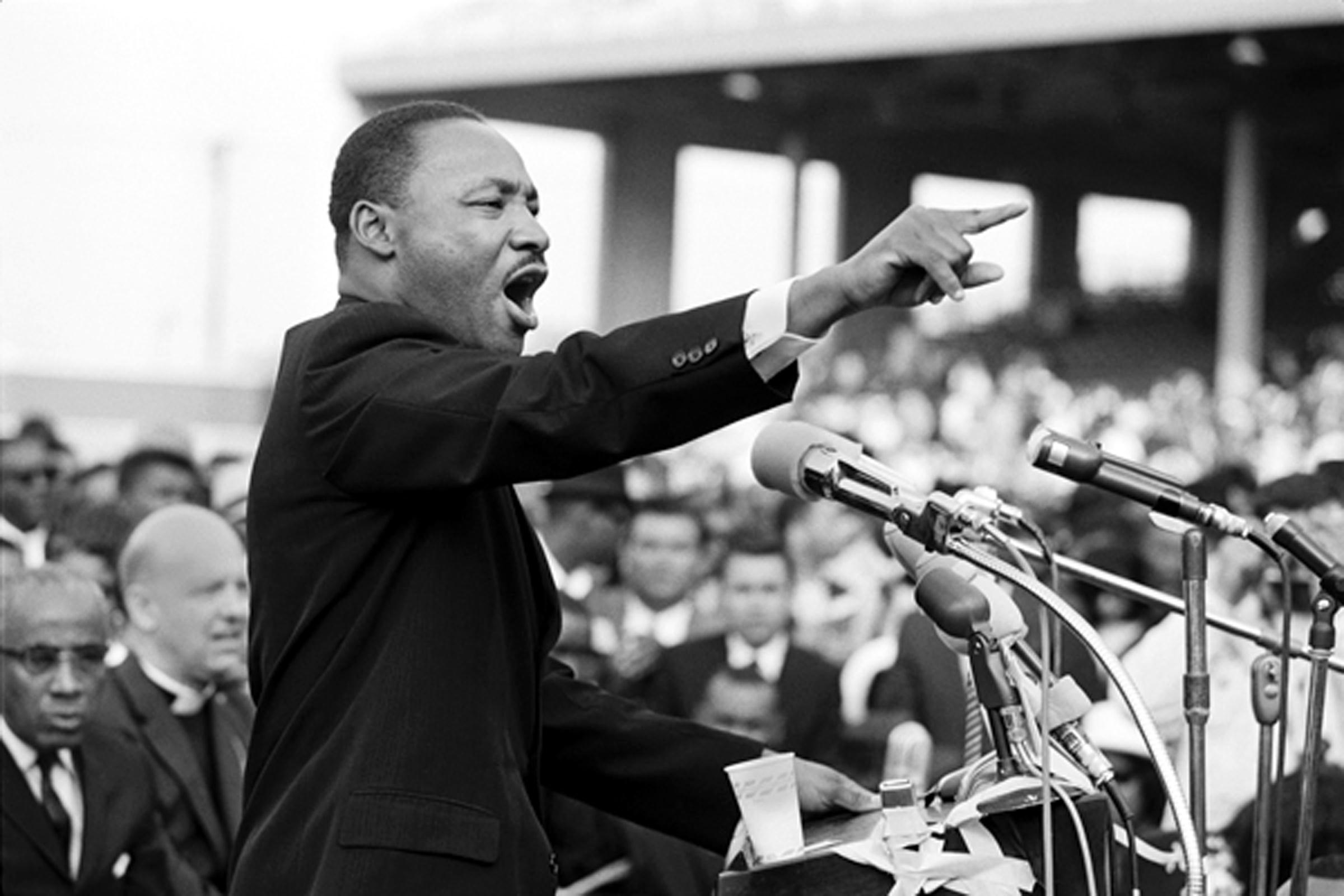 Martin Luther King in LA, photo credit Julian Wasser