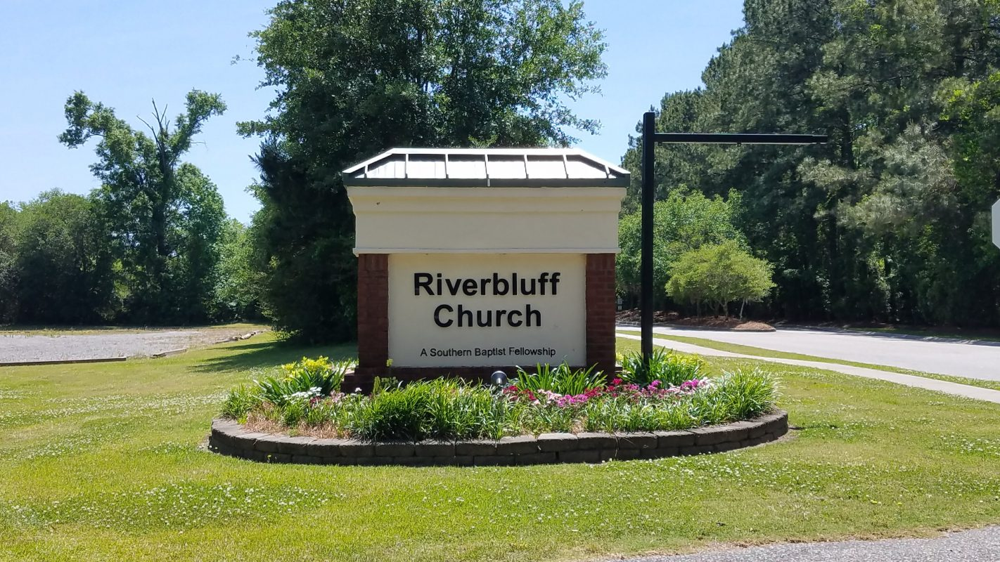 RIVERBLUFF-CHURCH-ROAD-SIGN.jpg