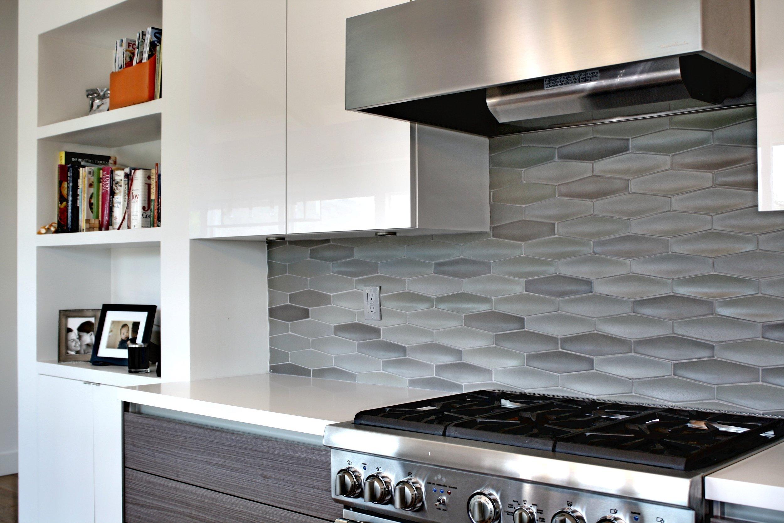 william-adams-design-interior-design-and-architecture-home-remodeling-san-francisco-california-mill-valley-mid-century-kitchen-design-white-grey-wood-flooring-1.jpg