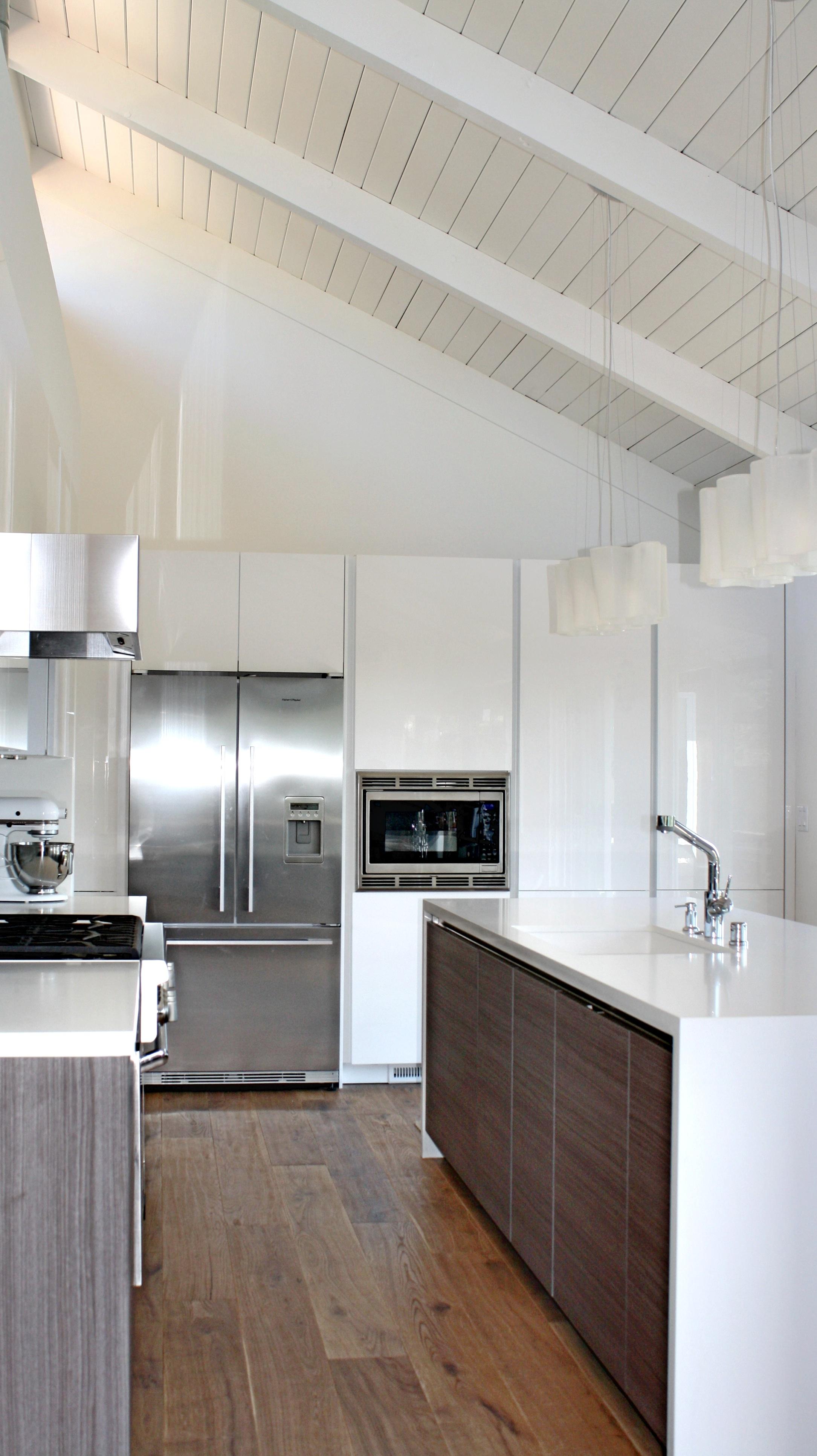 william-adams-design-interior-design-and-architecture-home-remodeling-san-francisco-california-mill-valley-mid-century-kitchen-design-white-grey-wood-flooring-3.jpg