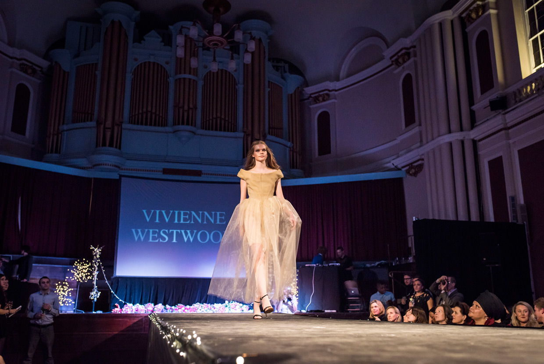 hjorthmedh-cambridge-university-fashion-show-13.jpg
