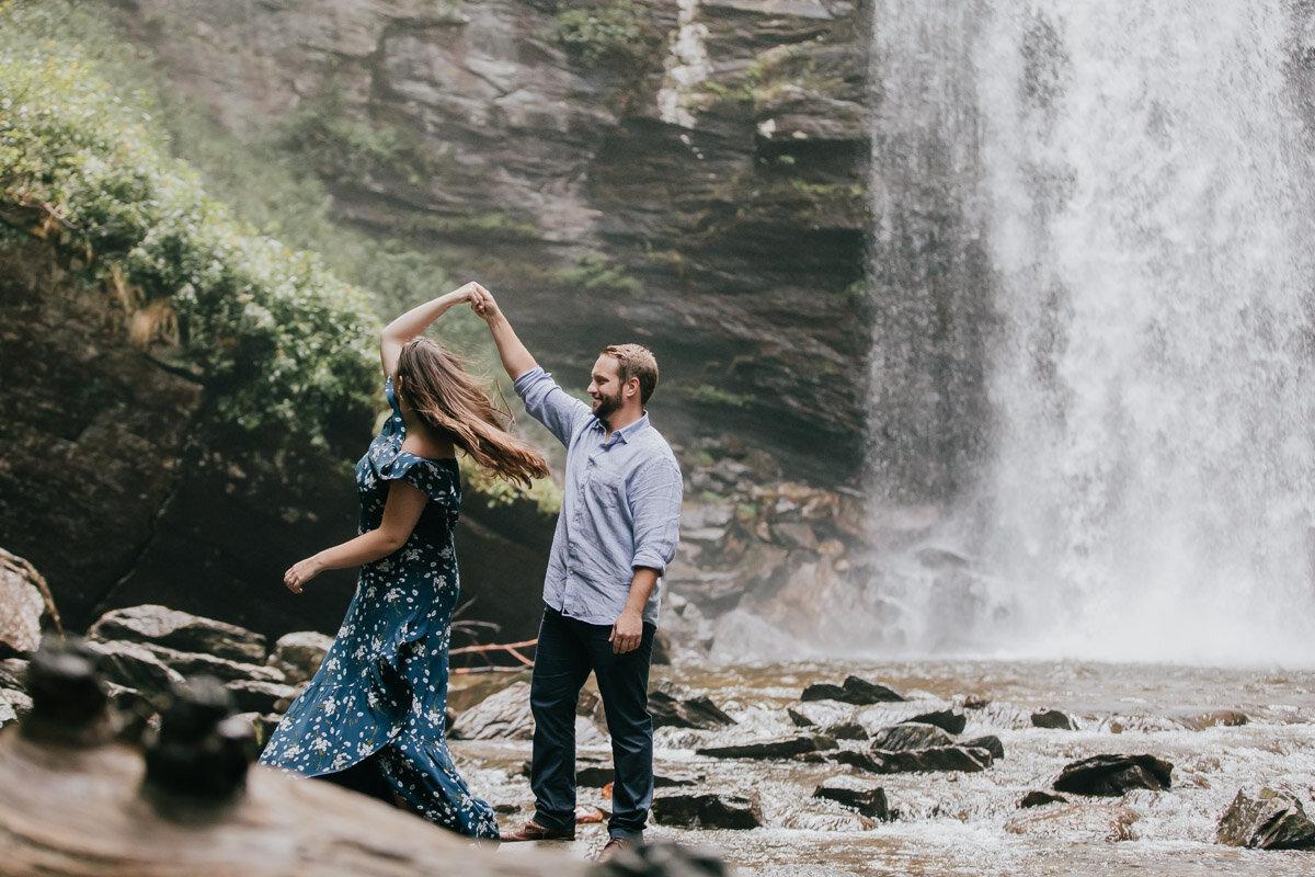 engagement-photographer-looking-glass-falls7.jpg
