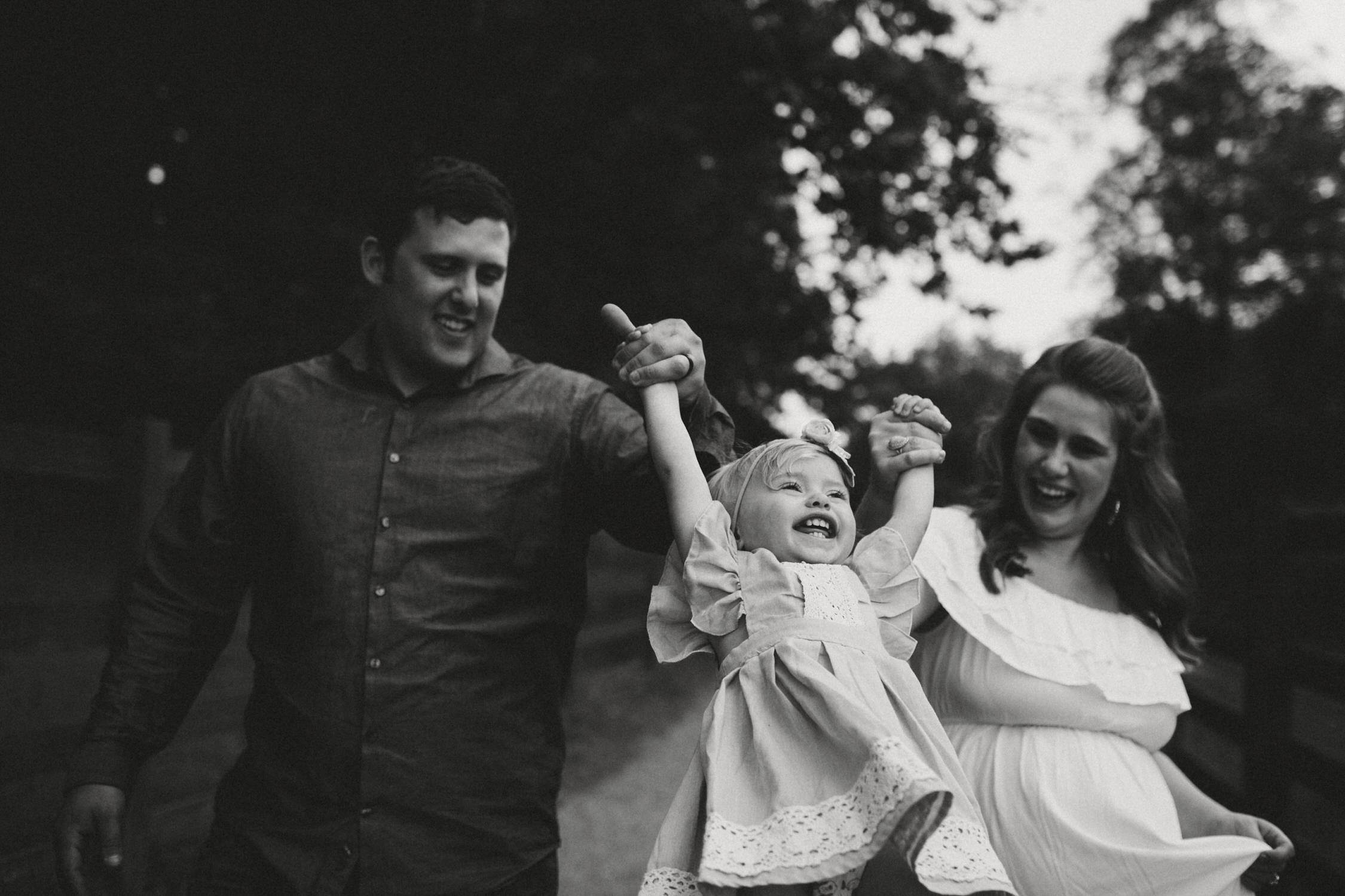 photo-of-seattle-family-photographer-at-kelly-creek-3-1.JPG