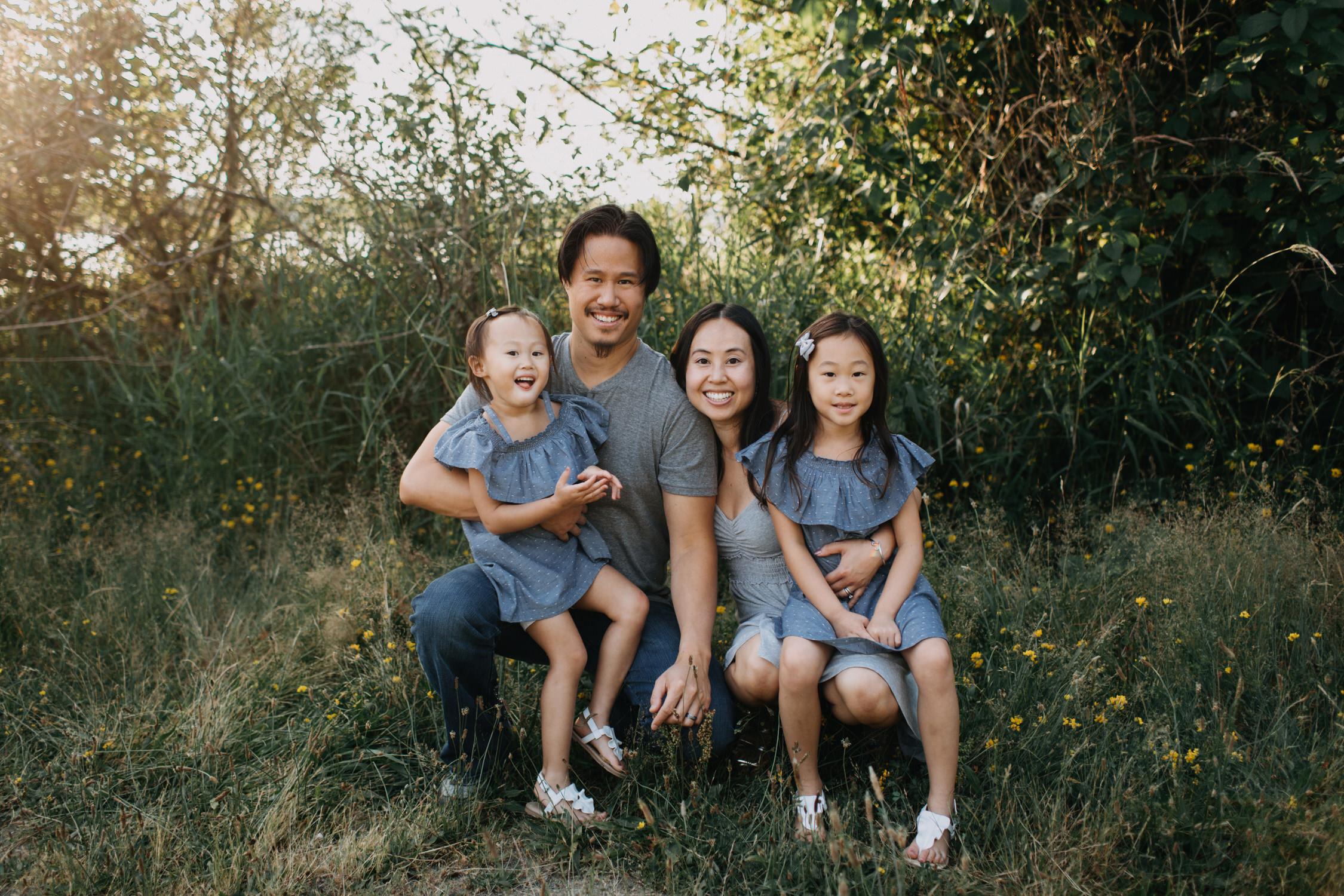 photo-of-seattle-family-photographer-at-lake-sammamish-5-1.JPG