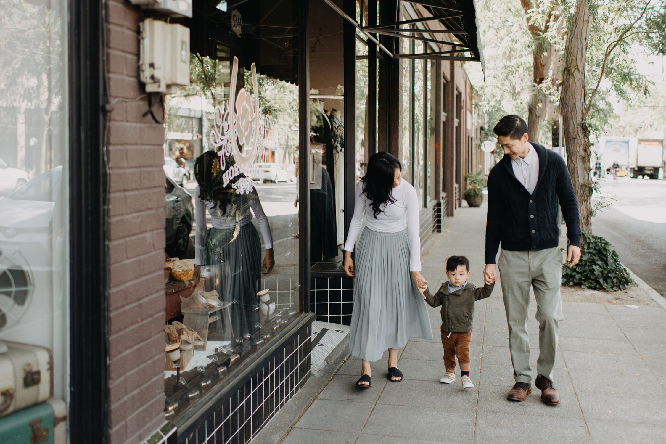 photo-of-seattle-family-photographer-in-ballard-9.JPG