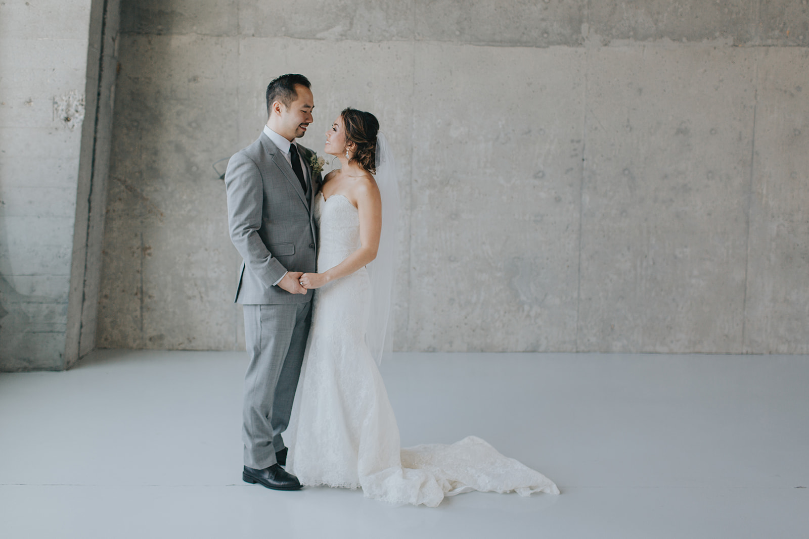 photo-of-bride-and-groom-at-historic-1625-tacoma-place