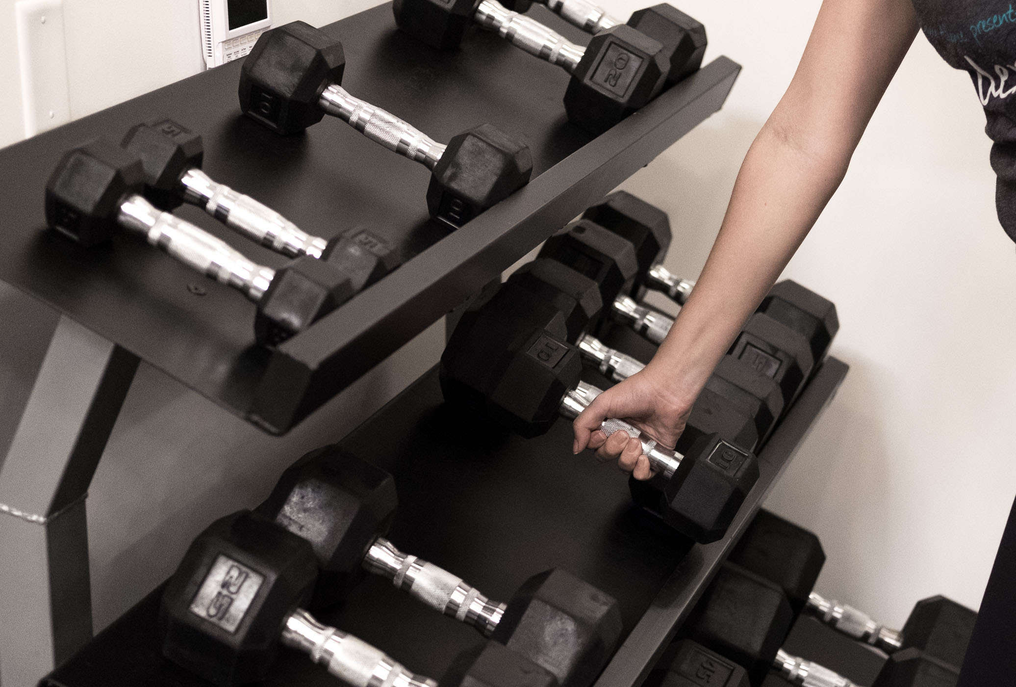 Rachel Off Duty: Lifting Weights at the Gym