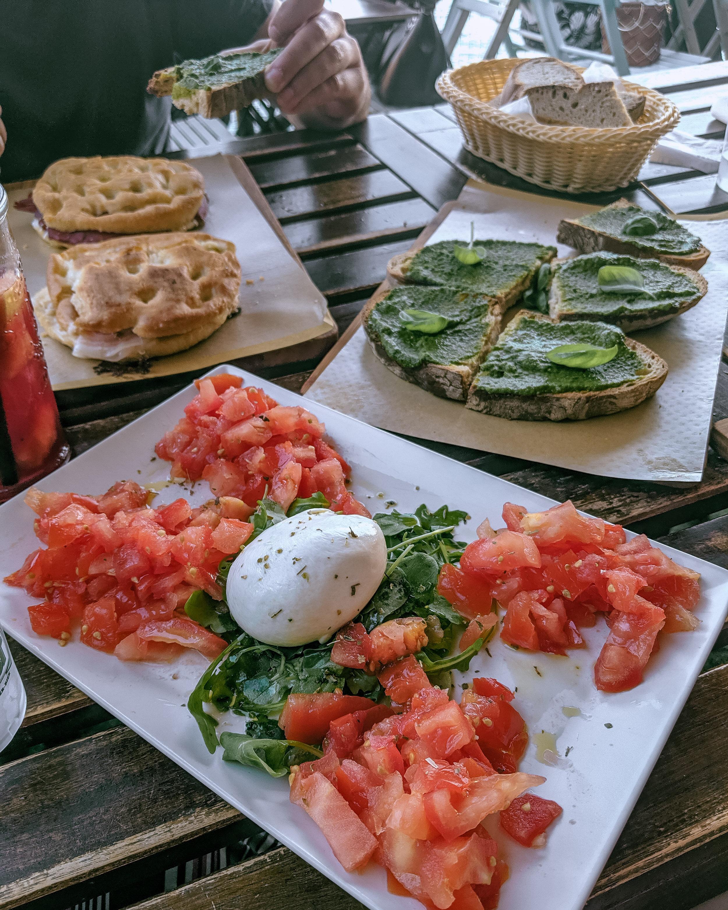 Rachel Off Duty: Tomatoes, Arugula and Burrata Cheese