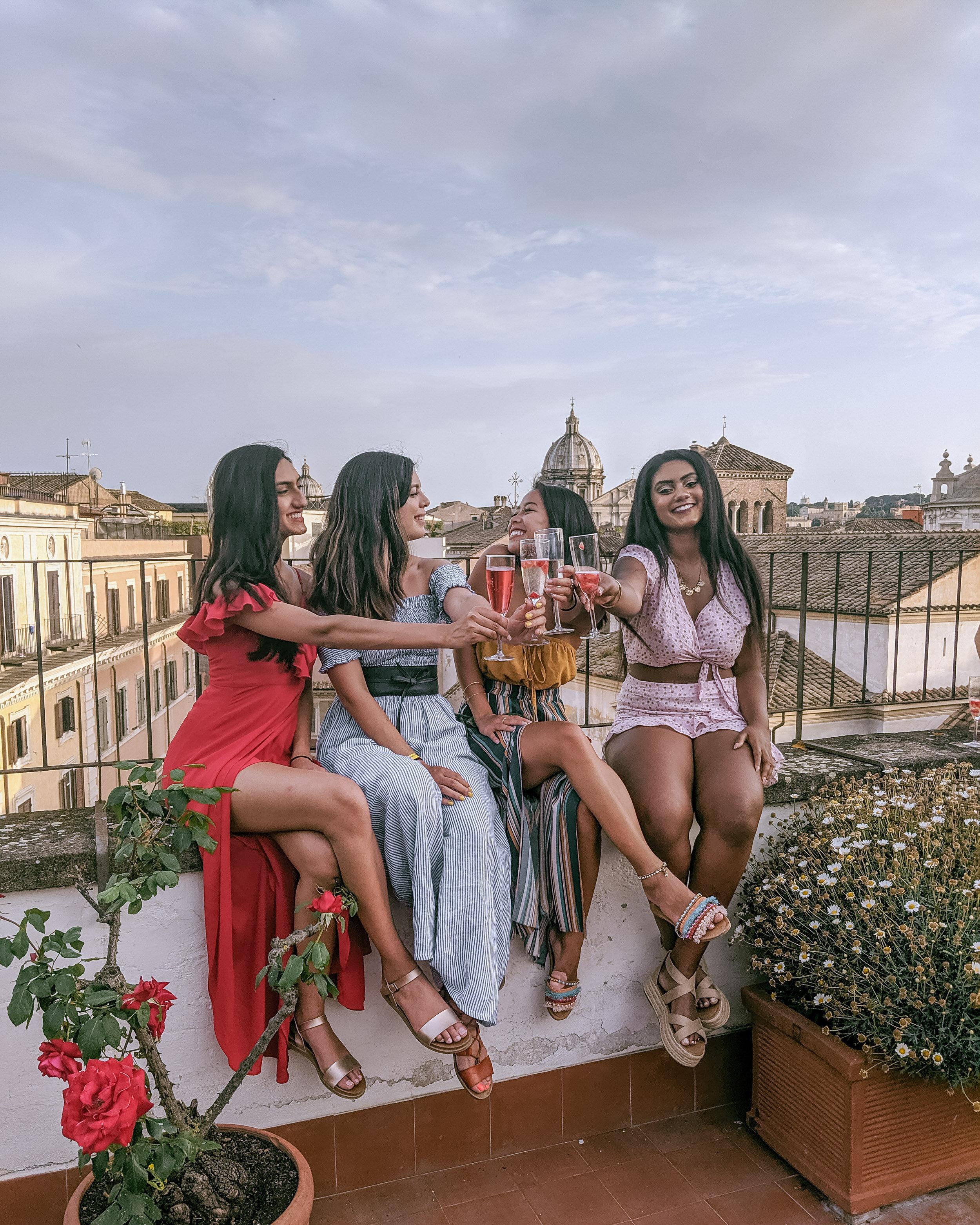 Rachel Off Duty: Women in Rome