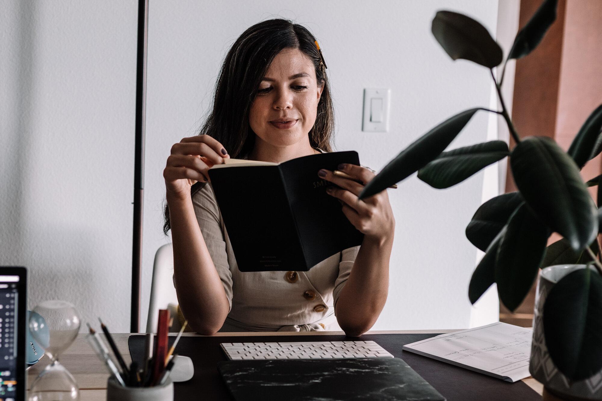 Rachel Off Duty: Rachel Reading Notes at Desk
