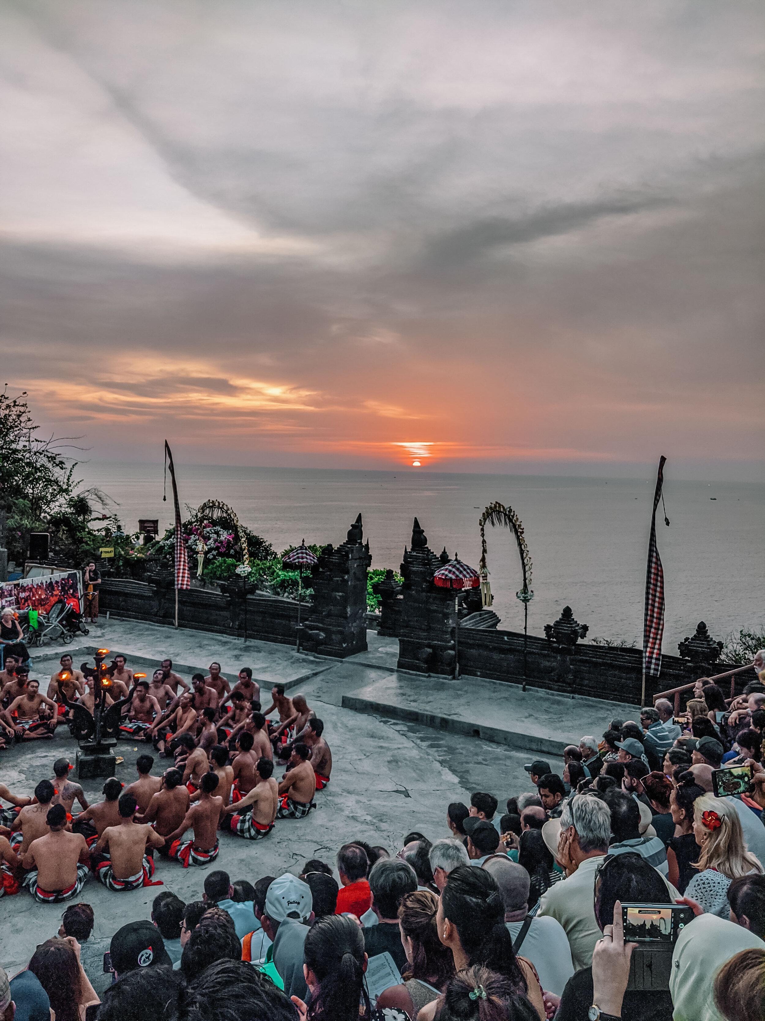 Rachel Off Duty: Uluwatu Temple in Bali