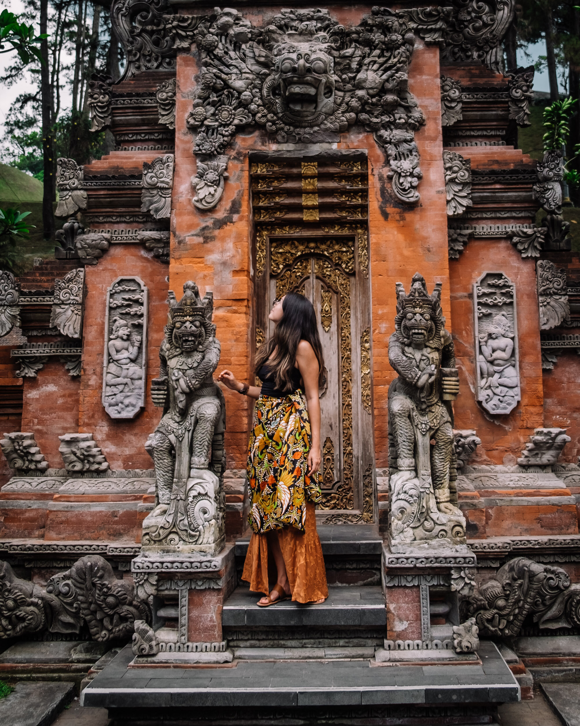 Rachel Off Duty: Woman in a Balinese Temple