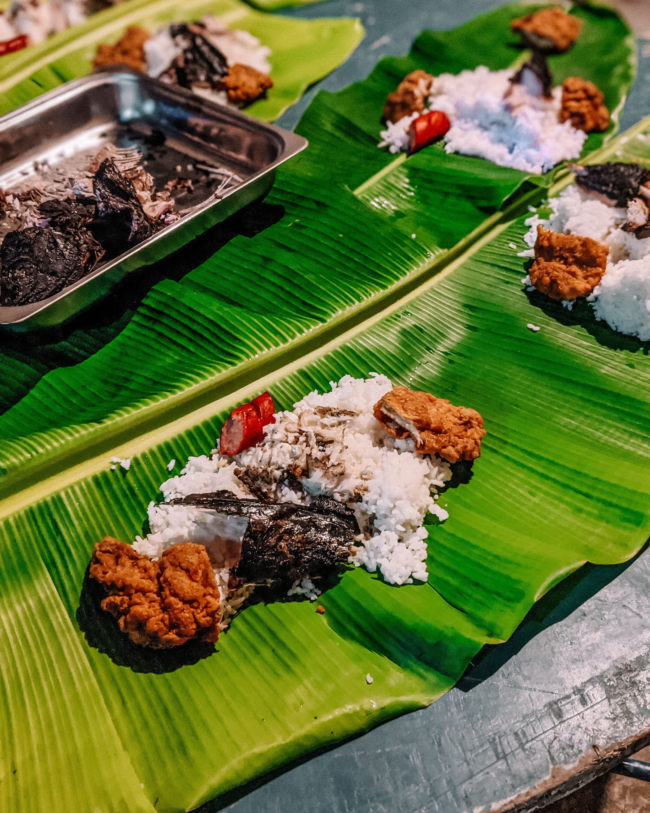Rachel Off Duty: Boodle Fight, Eating in the Philippines